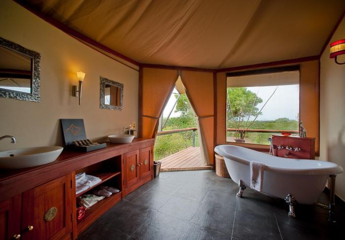 Ночлег туриста: отель или палатка? (6 фото)