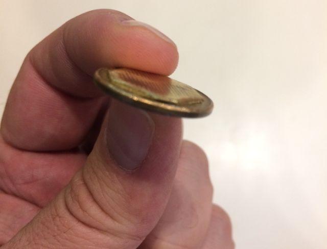 Автомат дал на сдачу монету 90-х годов (3 фото)