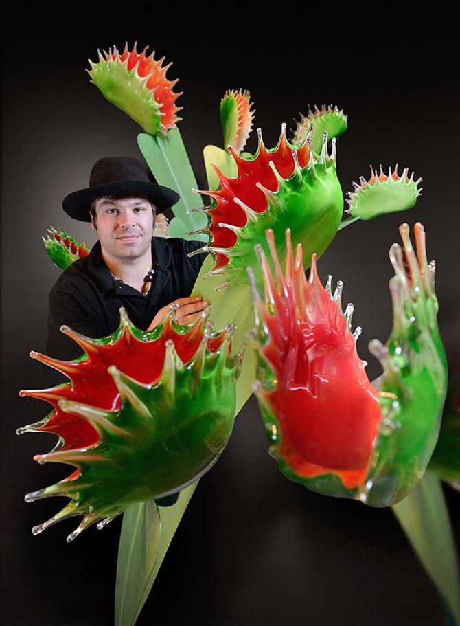 Исполинские цветы из стекла Джейсона Гамрэта (16 фото)
