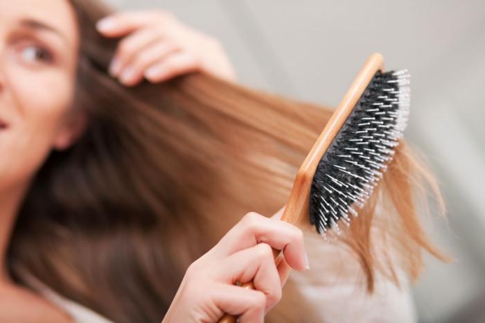 Как правильно выбрать расческу для любых типов волос (5 фото)