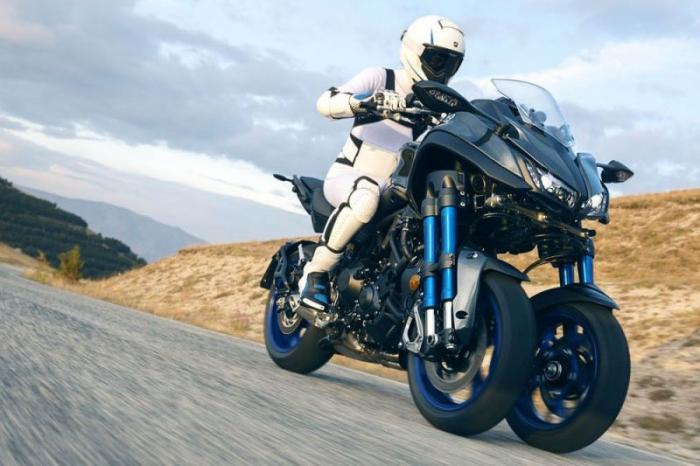 Новый трехколёсный мотоцикл Yamaha Niken (30 фото)