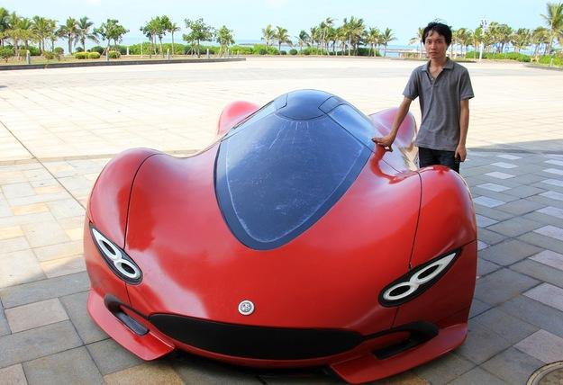 Шикарный автомобиль созданный своими руками (10 фото)