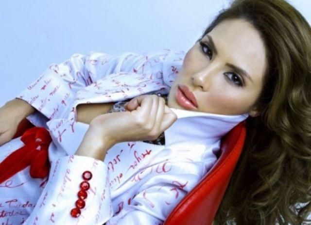 Энджи Валенсия - колумбийская модель и королева красоты (5 фото)