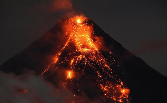Вулкан Майон (20 фото)
