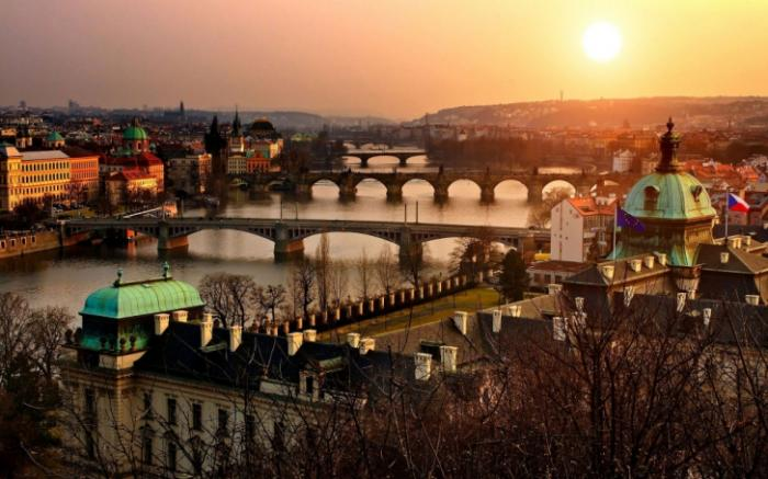 Самые чарующие мосты Праги (17 фото)