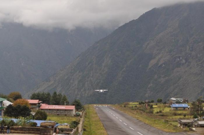 Самые опасные аэропорты мира (10 фото)