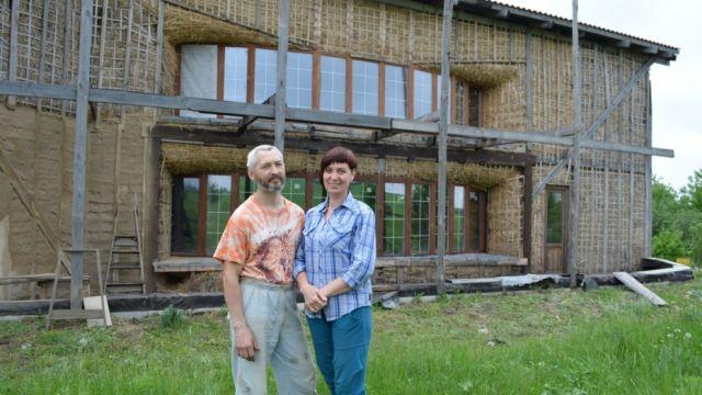 Дом из соломы своими руками (3 фото)