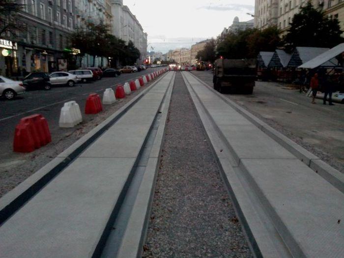 Как в Харькове трамвайные пути меняли (2 фото)