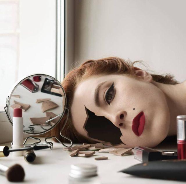 Автопортреты в  необычном стиле сюрреализма (18 фото)