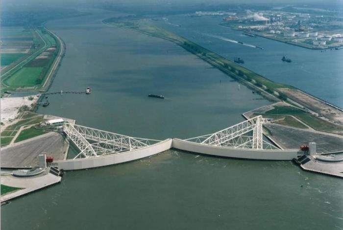 Как Голландия спасается от наводнений (6 фото)
