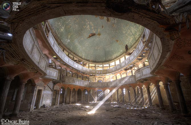 Заброшенные здания в объективе Оскара Бейнса (25 фото)