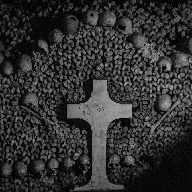 Вид изнутри - парижские катакомбы (22  фото)