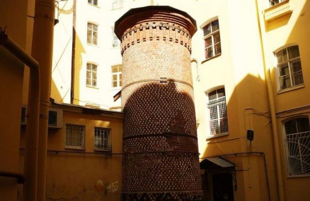 Тайны Васильевского острова: Башня Грифонов (7 фото)