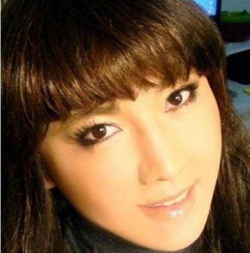 Азиатка - чудеса макияжа (9 фото)