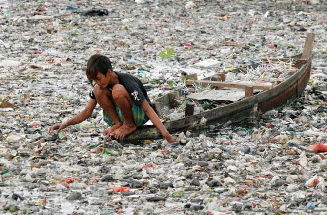 Самая грязная река в мире (10 фото)