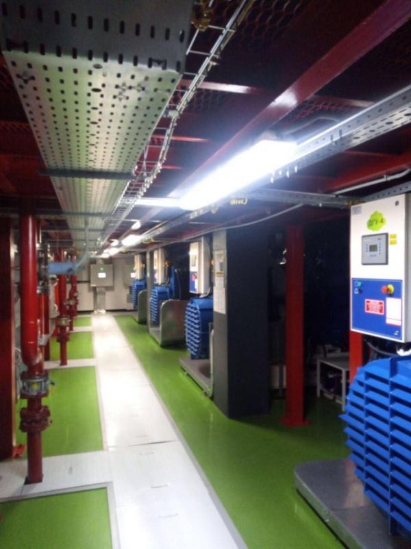 Креативный подход к оформлению помещения в дата-центре (10 фото)