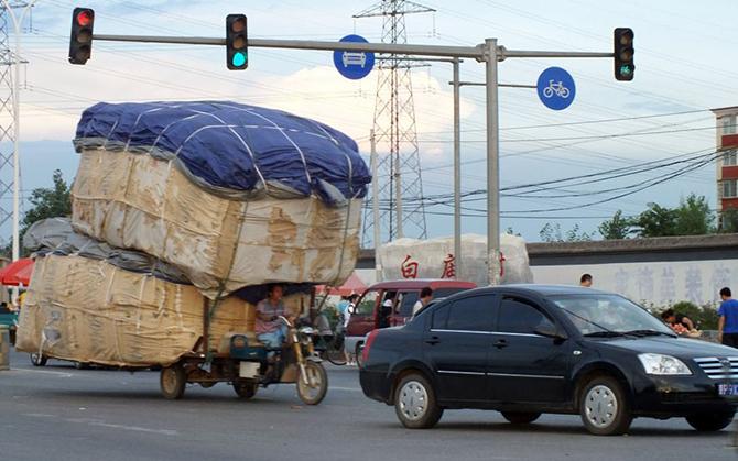 Перегруженные транспортные средства в Китае (14 фото)