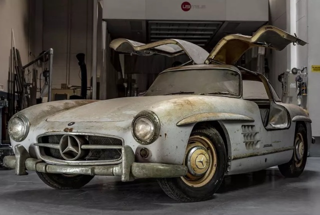Уникальный Mercedes-Benz 300SL Gullwing, которому 60 лет (8 фото)